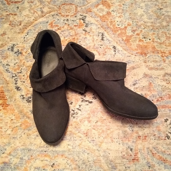 Crown Vintage Windy matte black leather fold top slip on ankle booties